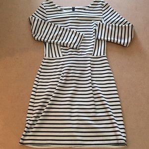B&W 1/4 Sleeve Dress